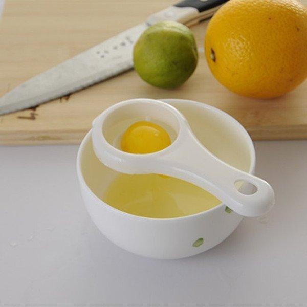 Trứng gà là sản phẩm tự nhiên có sẵn trong nhà bếp
