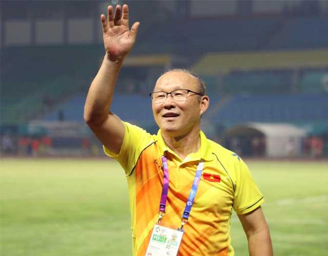 Thầy Park Hang Seo mừng vì lối chơi xịn của học trò